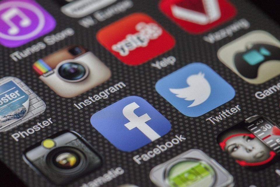 laman-web-media-sosial-untuk-pemasaran