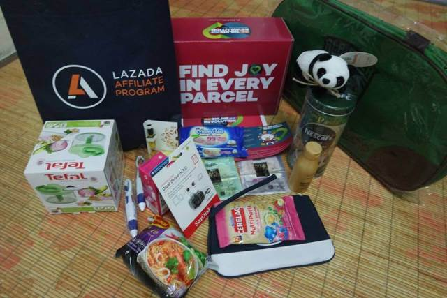 misteri-lazada-box-of-joy