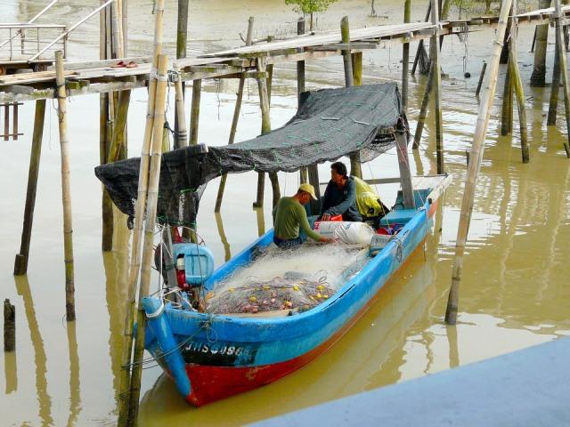 nelayan-fishing-boat
