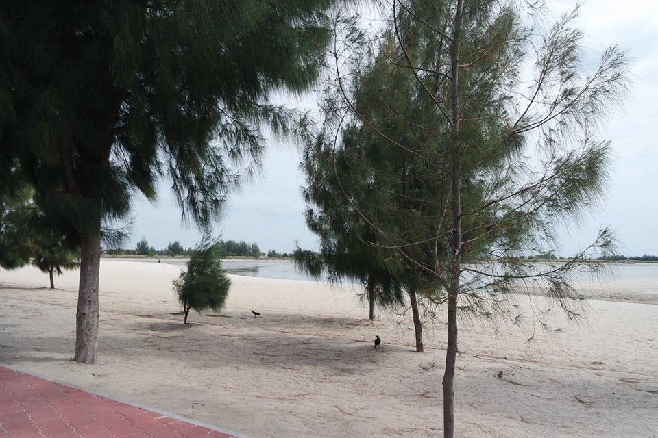 pemandangan-pantai-klebang